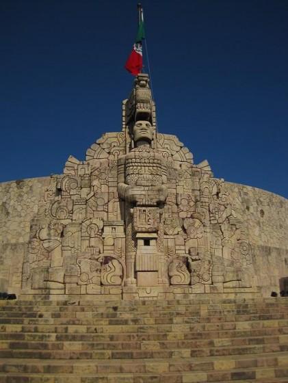 Monumento à bandeira, na Av. Montejo. Foto: Lucila Runnacles