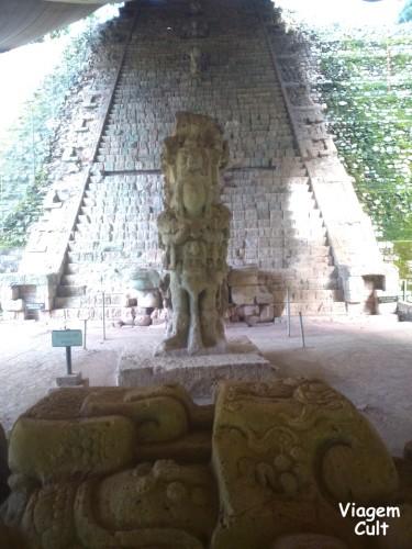 Essa é a escada de hieroglifos