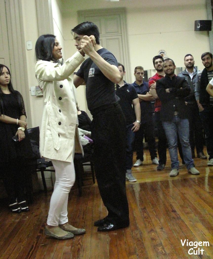 Aula de tango antes do show