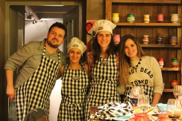 Tulio, Gisele, euzinha e Amanda. Foto: Aires Buenos blog