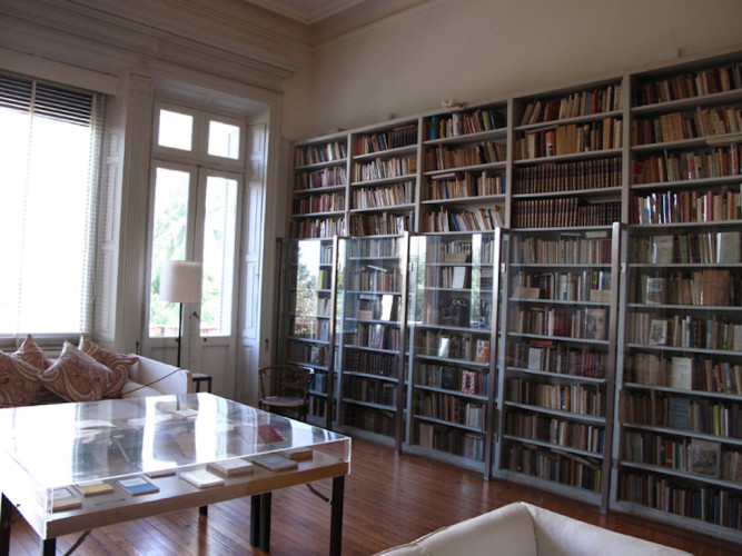 Maravilhosa biblioteca. Foto: Esteban Mazzoncini