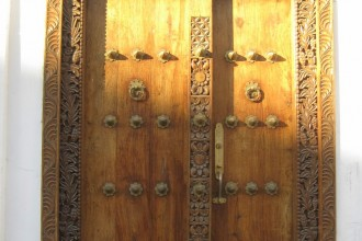 Zanzibar e suas portas talhadas